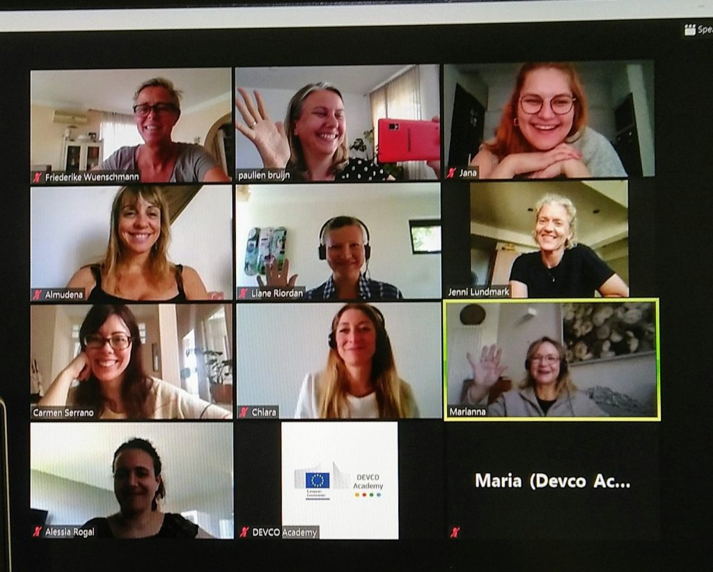 group picture in zoom online meeting